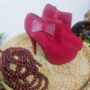 Delicacy Red Bow Heeled Booties Size 7.5
